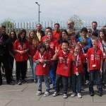 Sur la photo les joueurs de Bischwiller, encadrés par les entraineurs et accompagnateurs.