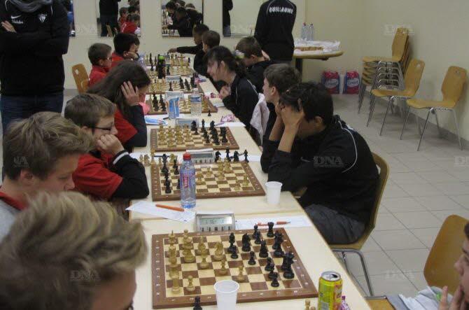 Mulhouse à gauche, face aux Bischwillerois à droite ; au fond : Tremblay contre Nancy.