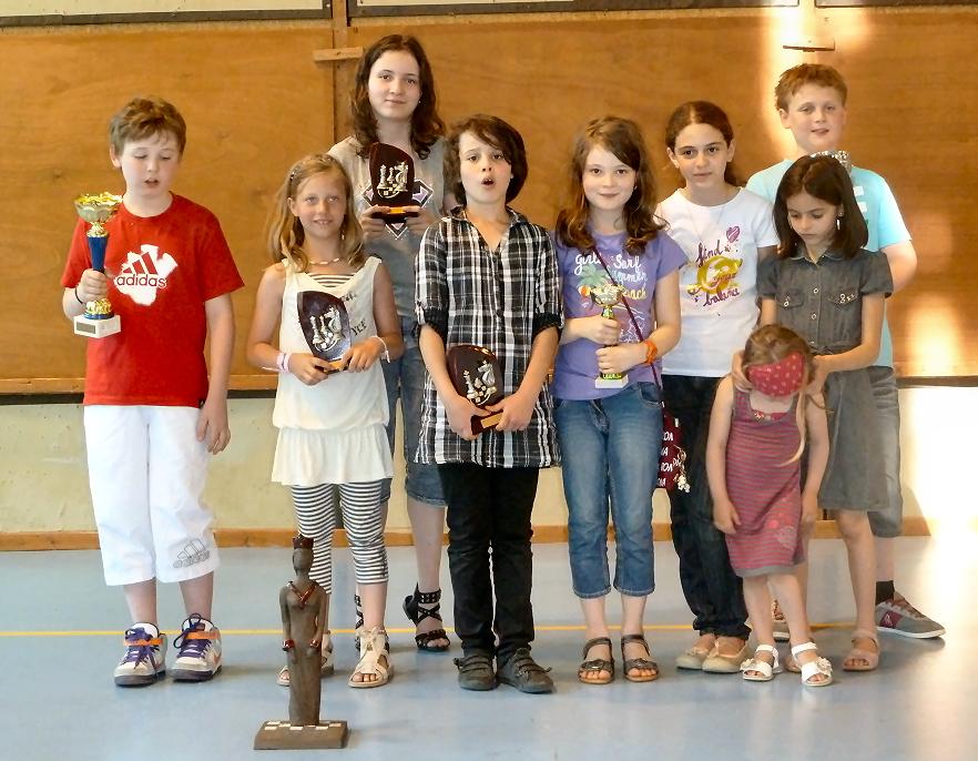 Tournoi de Vendenheim 2011 - Les lauréats Bischwillerois des différents tournois et le trophée du meilleur club !