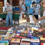 un des stands de livres à Nîmes